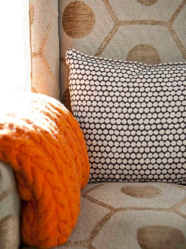 Denise-McGaha_Colorful-Kitchens-Modern-Rustic-Living_Chair-Detail.jpg.rend.hgtvcom.966.1288